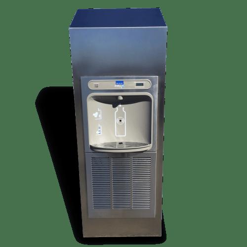 Water cooler with with an inbuilt LED UV sterilisation system